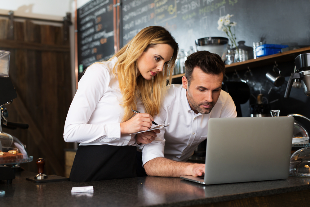 restaurant owners review cash flow statements